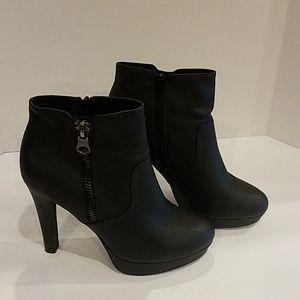 Aldo black ankle boots Sz 10